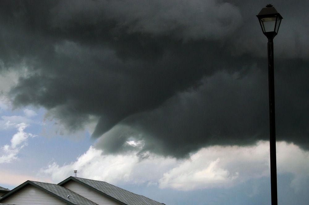 Tornado forming in Airdrie, Alberta