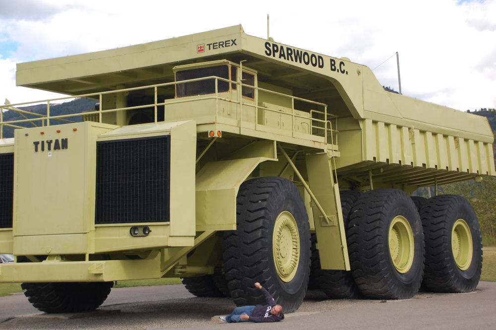Largest truck in the world, Sparwood, BC