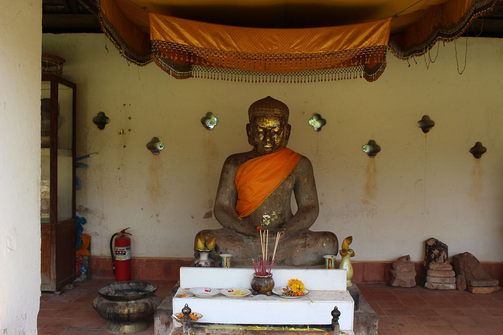 Buddha shrine, Pha That Luang temple grounds, Vientiane