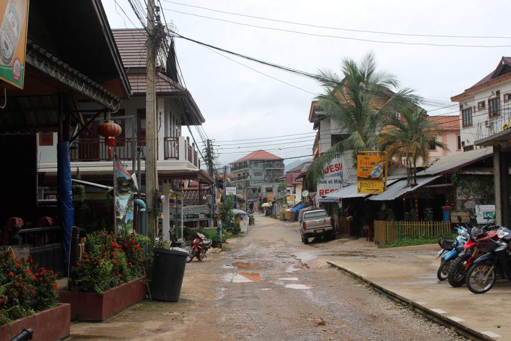 Vang Vieng street scene